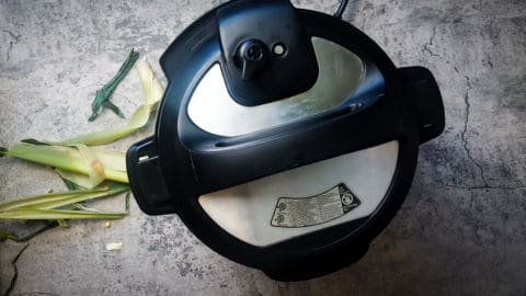 an instant pot from the top with the vent open