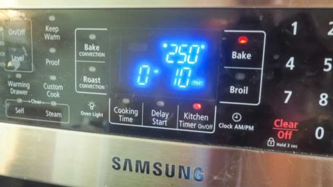 an oven screen with a temperature of 250 degrees and a time of ten minutes.