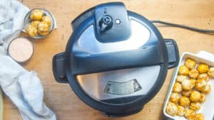 an instant pot with the knob set to venting.