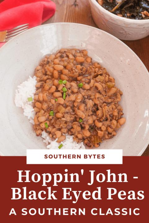 A pin image of a bowl of hoppin john black eyed peas.