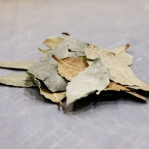 A pile of bay leaves.