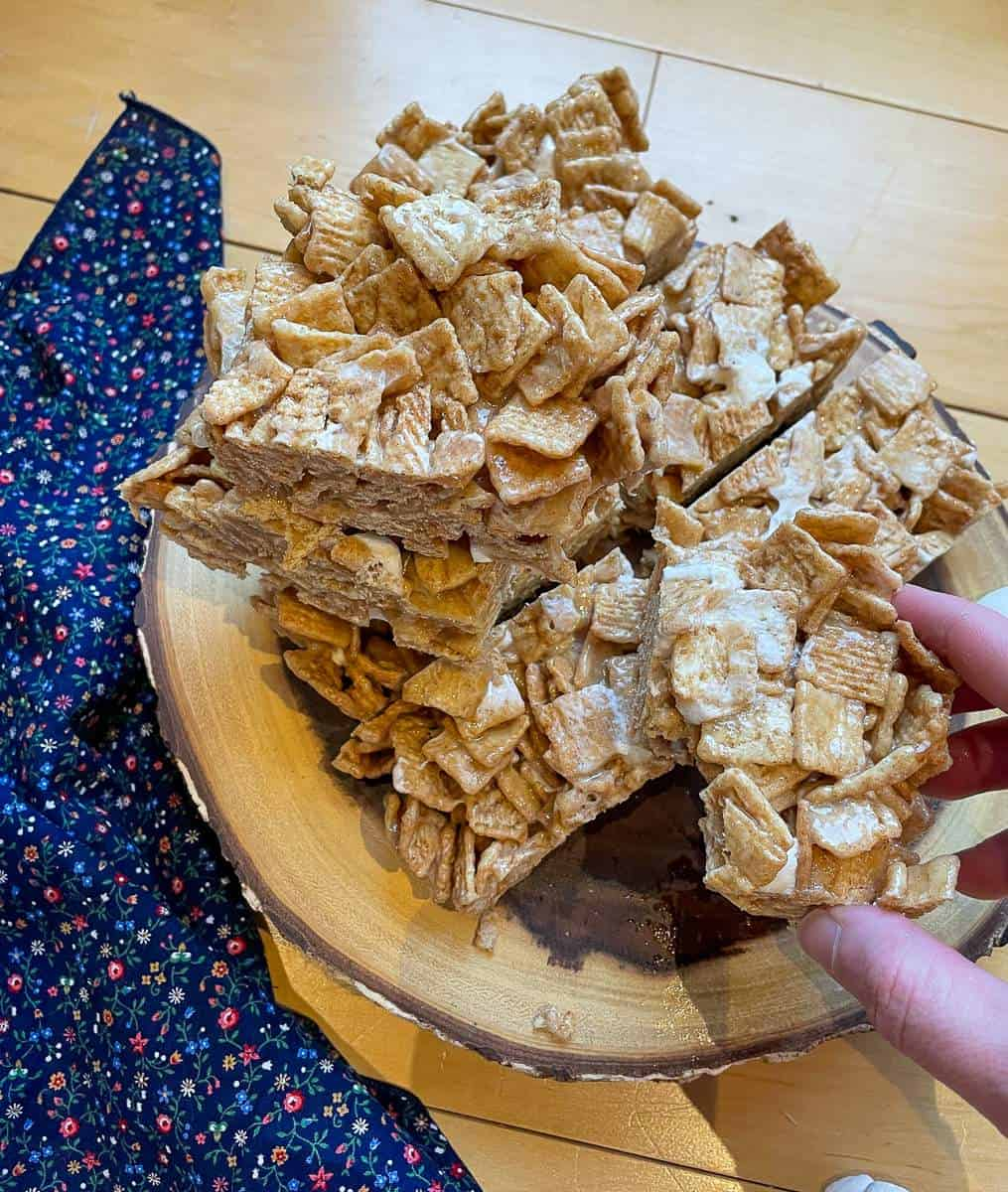 A stack of Cinnamon Toast Crunch Cereal Treats.