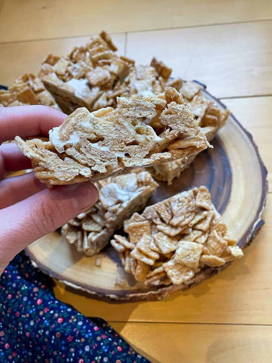 A side shot of a Cinnamon Toast Crunch Cereal Treat.